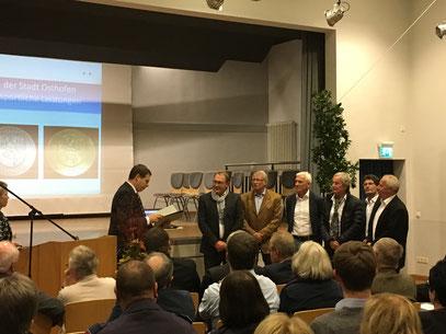 Von links nach rechts: Stadtchef T.Goller, Spieler W.Knorpp, H.Orth, G.Weber, W.Höfler, M.Schwarze, D.Münk