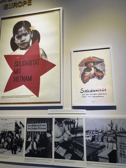 Different signs for solidary movement for Vietnam at war