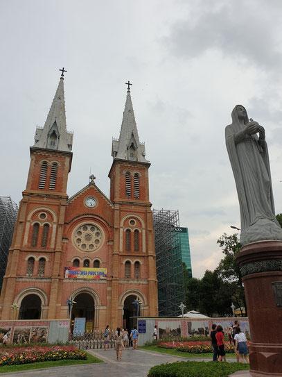 Nhà Thờ Chình Toà Đưc Mẹ Vô Nhiếm Nguyên Tôi Cathedral Notre Dame Saigon HCMC Vietnam