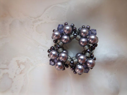 hier die offenene Version mit 3 mm Pearls