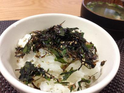 天たつが2月から春の季節に販売します「海藻ふりかけ」は福井県三国でとれた、岩のり、はば、アオサ、を海の味そのままで作る磯の香り濃いふりかけです