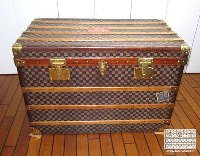 Moynat mail trunk