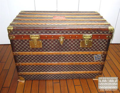 Moynat Serie F courier trunk Checkered canvas