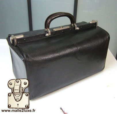 Rare medium leather bag and small price - sold
