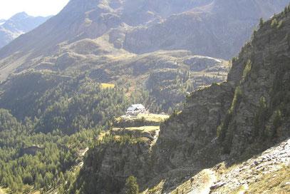 Die Zufallhütte vom Madritschtal gesehen