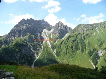 Blick zu Großem und Kleinem Widderstein:Standort:Schönesbodenalpe