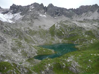 Roßkarsee mit Bergumrahmung