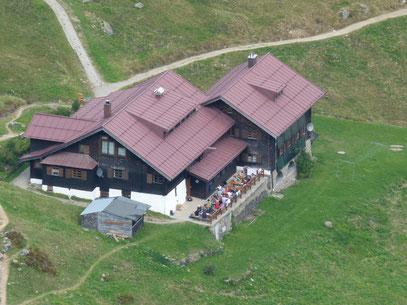 Schwarzwasserhütte von der Ochsenhofer Scharte gesehen