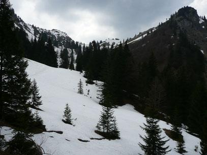 Blick auf Jochschrofen und Großen Hirschberg