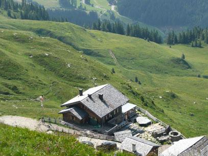 Die Flecknerhütte von oben gesehen