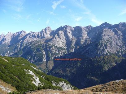 Blick auf Kanzberg und die Hornbachkette