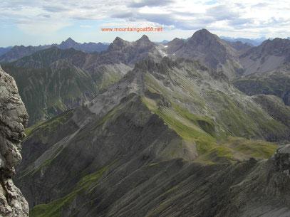 Blick von der Mädelegabel auf Großen Krottenkopf,Kratzer,Krottenspitzen...