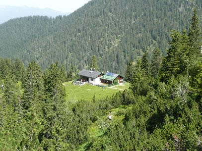 Die Hochlandhütte beim Aufstieg zum Predigstuhl