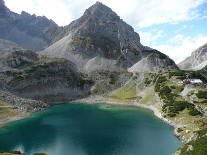 Vorderer Drachenkopf mit Drachensee und Coburger Hütte