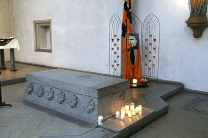 Kolpinggrab in der Minoritenkirche zu Köln