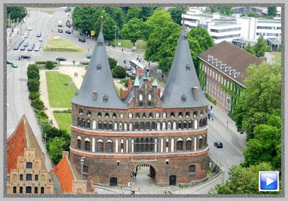 Das Holstentor in der Hansestadt Lübeck