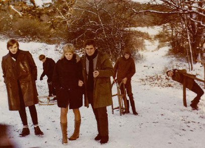Mops & Geige, links Huckebein, im Winter 1969/1970