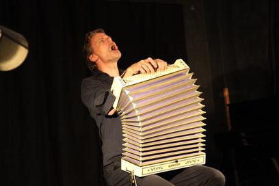 Christian Zehnder en concert à Thèbe