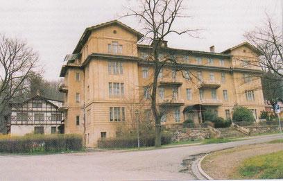Hotel Bellevue kurz vor dem Abriß, links Villa Charlotte