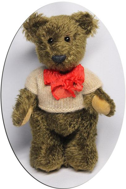 von Hand gefertigte Teddybär. Größe: ca. 23cm
