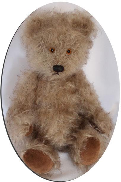 von Hand gefertigte Teddybär. Größe: ca. 20cm