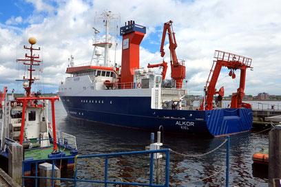 Forschungsschiff Alkor im Kieler Hafen