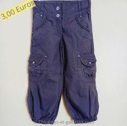 vetements occasion enfants. Vetement occasion fille 4 ans.pantalon en toile pas cher.