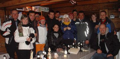 Rodelparty von Piloten auf der Innerhofer Alm in  Weissenbach Südtirol