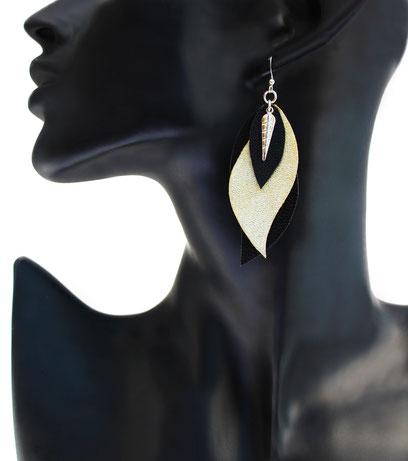 créations bijoux- créateur bijoux- bijoux fait main-bijoux cuir- créateur bijoux cuir- création bijoux- -sarayana-handmade jewelry-leather jewelry-bijoux de créateur- boucles d'oreille cuir- boucles d'oreille doré-boucles d'oreilles plumes