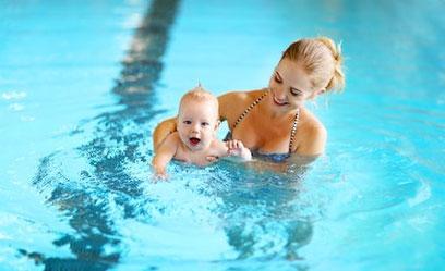 Babyschwimmen mit Badeplausch und Plantschen