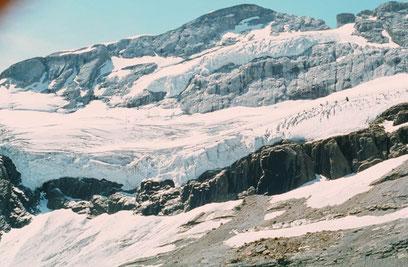 Glaciar de Monte Perdido en primavera. Foto: J. M. García Ruiz.