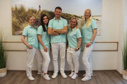 Team - Praxis für Zahnheilkunde & Implantologie - Dr. med. dent. Malte Uhrigshardt - Tornesch im Kreis Pinneberg