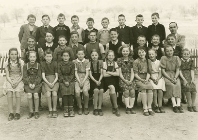 Oberschule 1948: Die Jahrgänge 1937 und 1938 mit Lehrer Arthur Hort