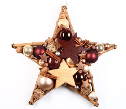 Stern in Brauntönen mit Holzstern und Metall Stern.