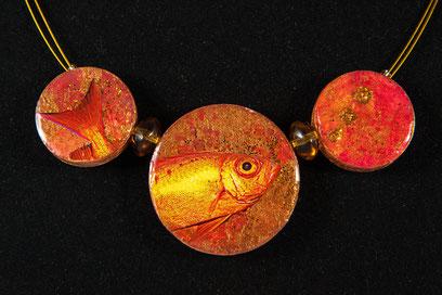 """""""Goldfisch"""", Collier aus Aquarell und Magazin"""
