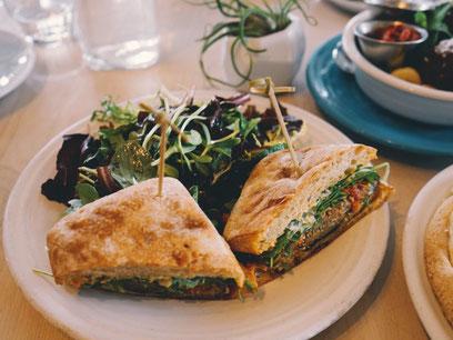 Café Gratitude Los Angeles zweidiereisen vegan