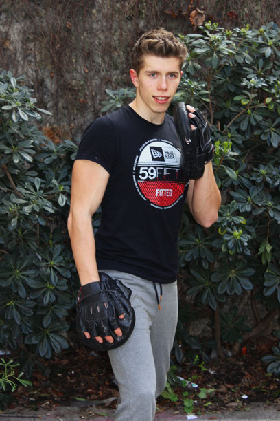 Initiation et cours de boxe a Paris 75 et hauts de seine 92
