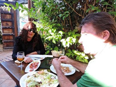 Kris y Mikel del Bar La Talaia de Intxaurrondo (Donostia) no faltaron a la cita