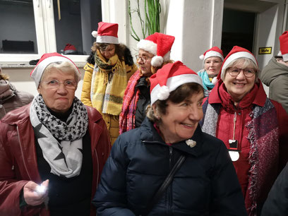 An Nikolaus waren wir singende Wichtel zur Kinderweihnacht der Feuerwehr Storkow....