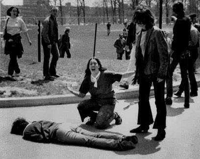Nationalgarden skyder fire studenter, Kent State Universitet i Ohio, den 4. maj 1970