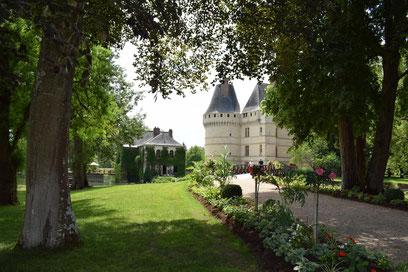 chateau-islette-Azay-le-Rideau-Loire-Valley-Renaissance-gardens-guided-tours-visit