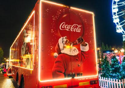Die Vermarktung des Weihnachtsfestes wird von Unternehmen wie Coca-Cola vorangetrieben.