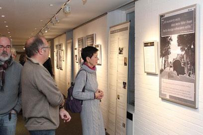 Auch Zusammenhänge zur Geschichte Loccums mit den Juden stellt die Ausstellung her – wie hier mit der Flucht einer Familie, die lange Zeit das Kloster mit Fleisch beliefert hat.