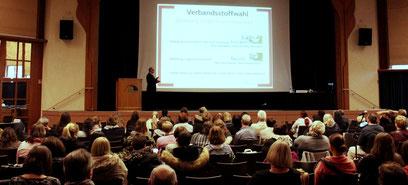 Die richtige Verbandsstoffwahl ist immer ein wichtiges Thema beim Freiburger Wundkongress. (Foto: conventus)