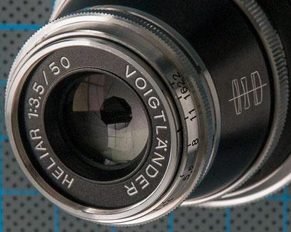 Praxistest Voigtländer Heliar 3,5/50 mm VM, Frontlinsenansicht, Foto: Klaus Schörner