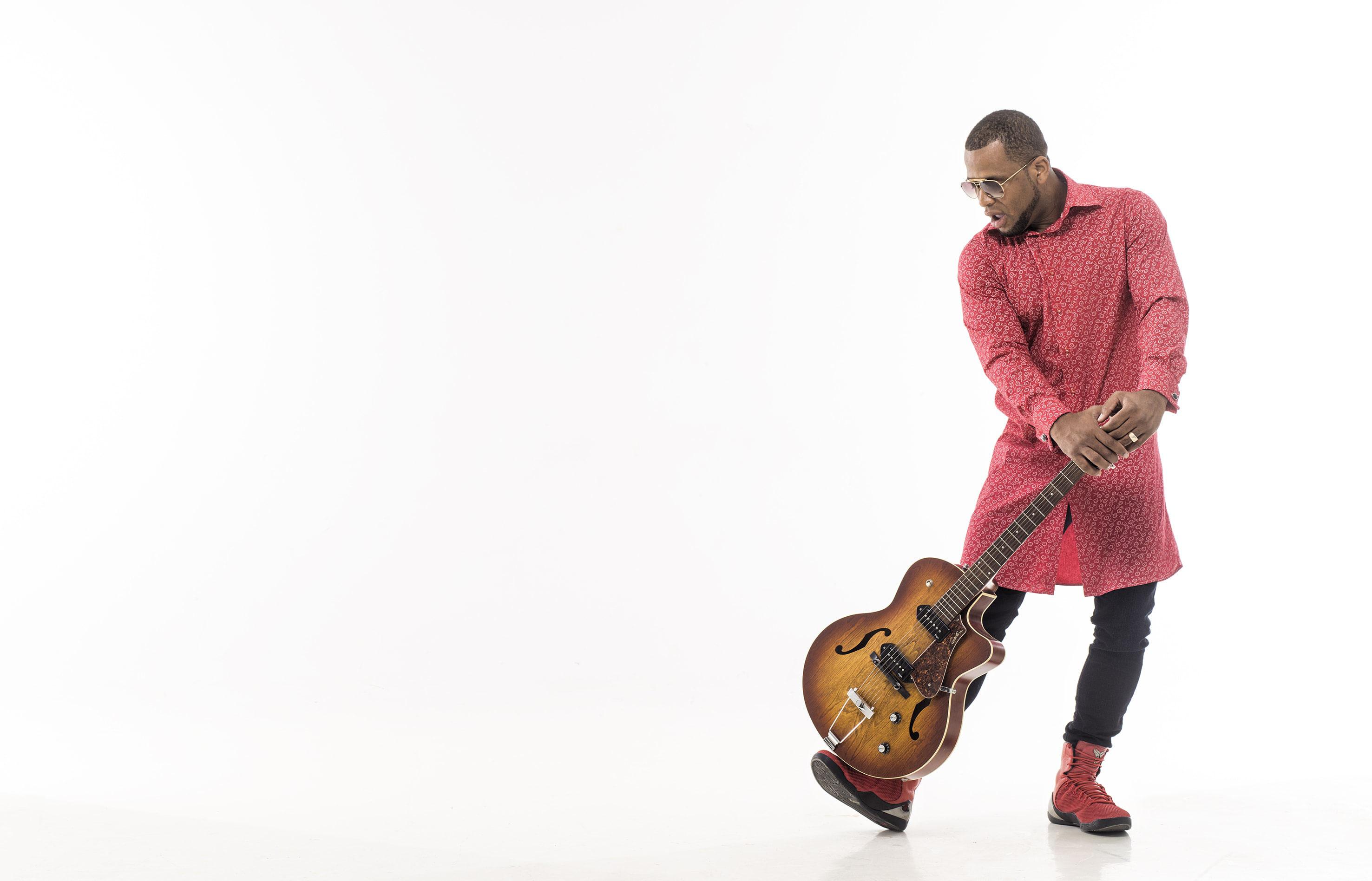 YURI DA CUNHA - Delicious Tunes: Booking | Concerts | Artist