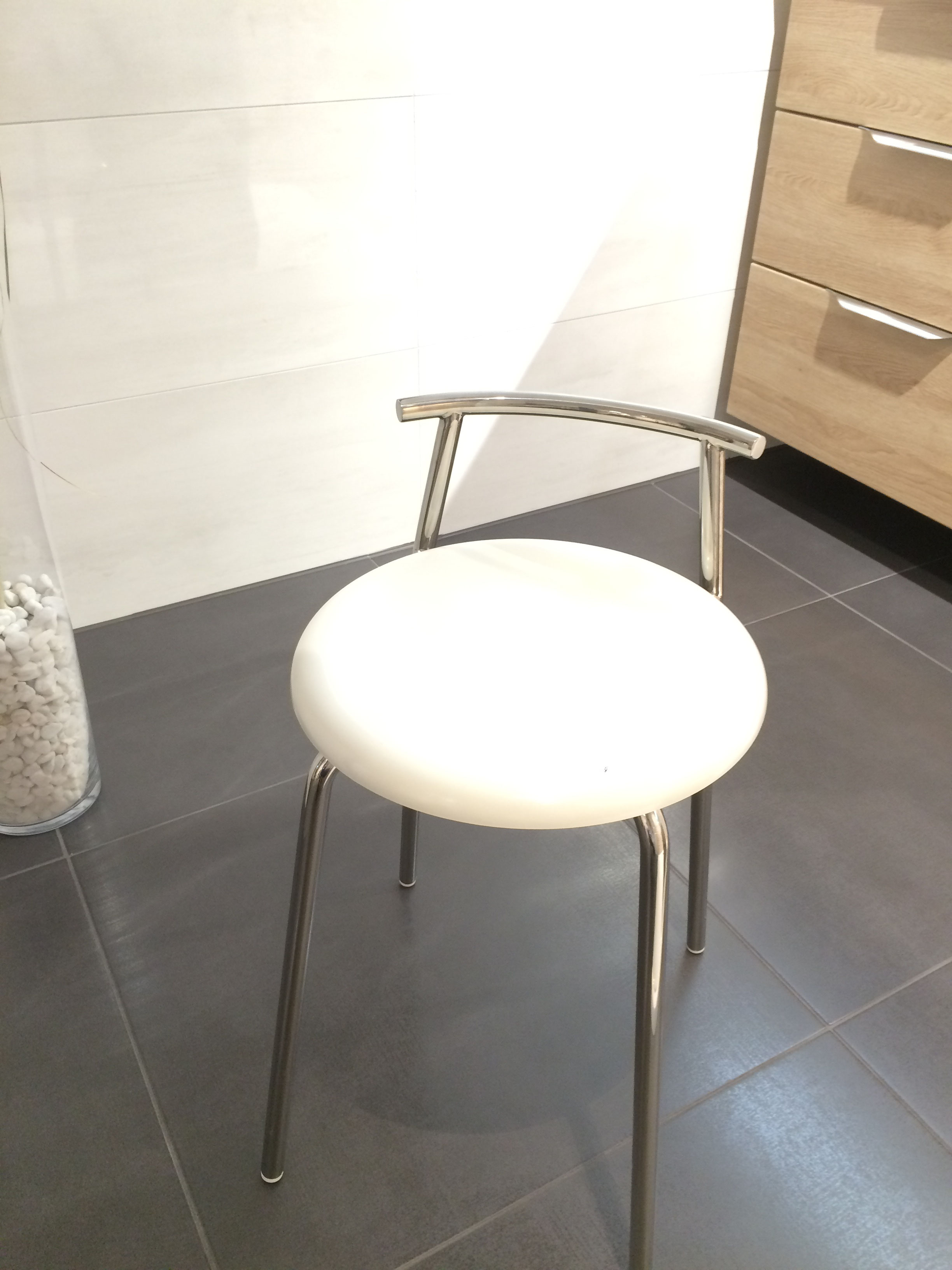 bad accessoires duschkorb lange typky badeinrichtungen. Black Bedroom Furniture Sets. Home Design Ideas