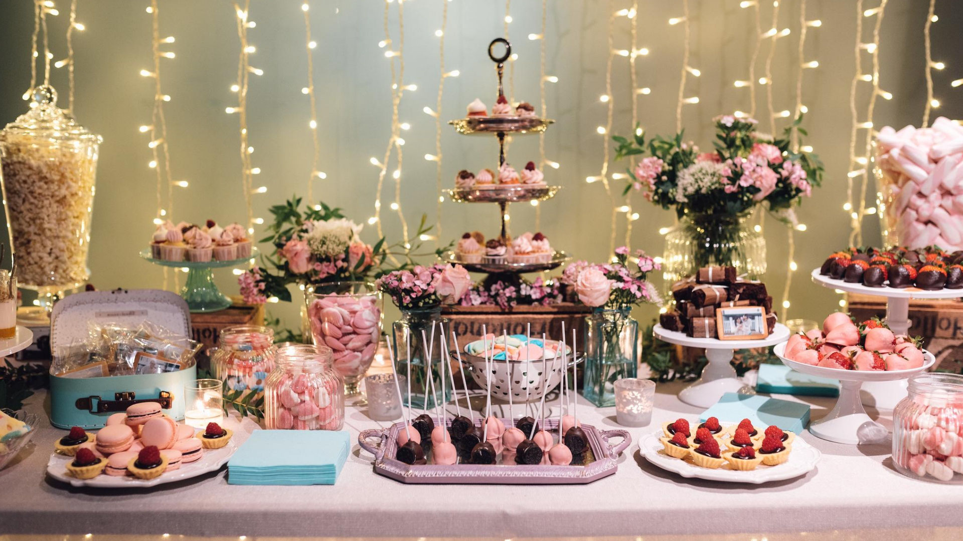 Mesa de dulces para 15 años - ᐅ Las más Elegantes Mesas de Dulces ❤️