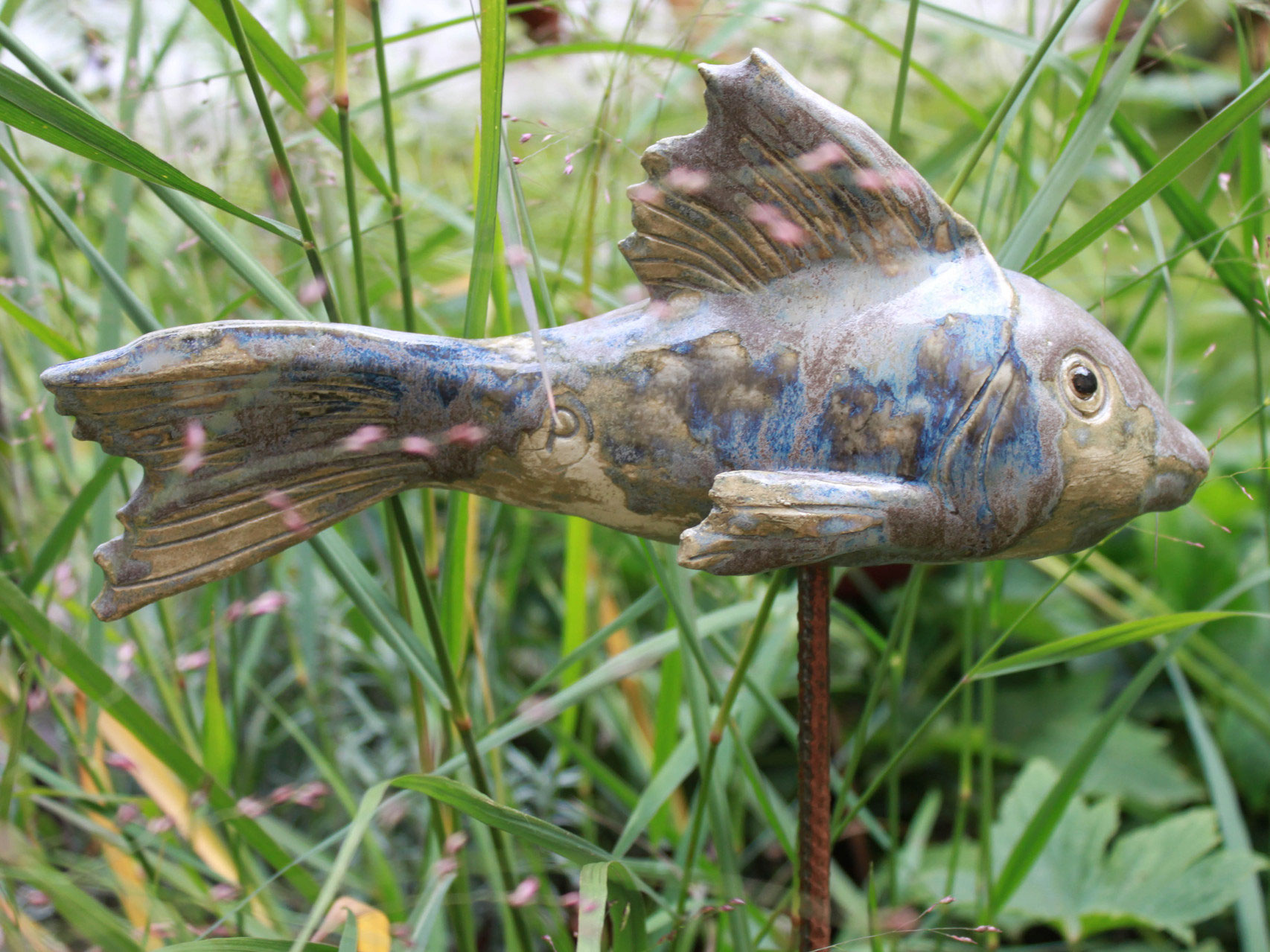 Keramik fische und gartenkunst keramik atelier for Garten fische