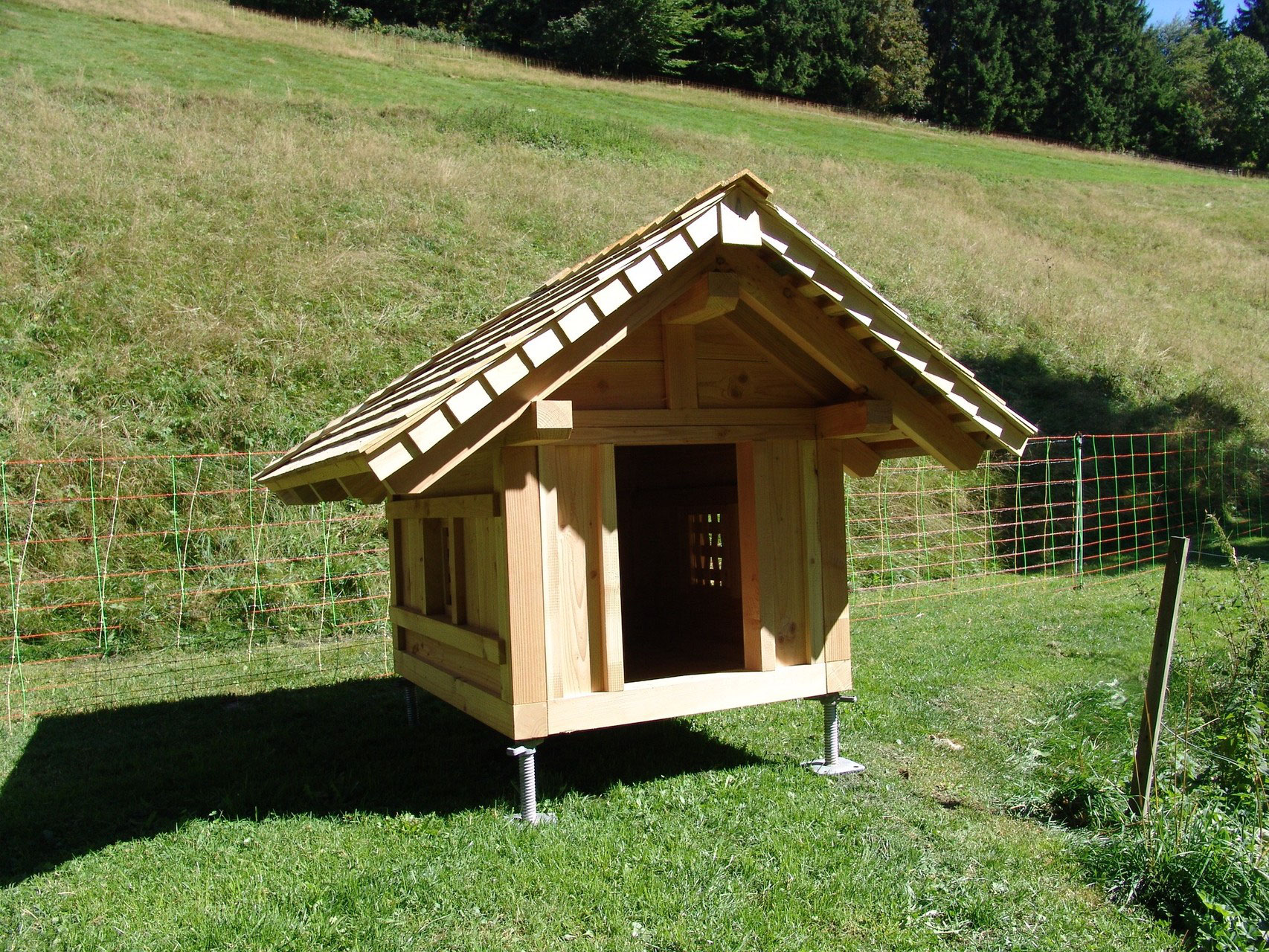 entenhaus hundeh tte h hnerstall aus holz holzbau fallers webseite. Black Bedroom Furniture Sets. Home Design Ideas